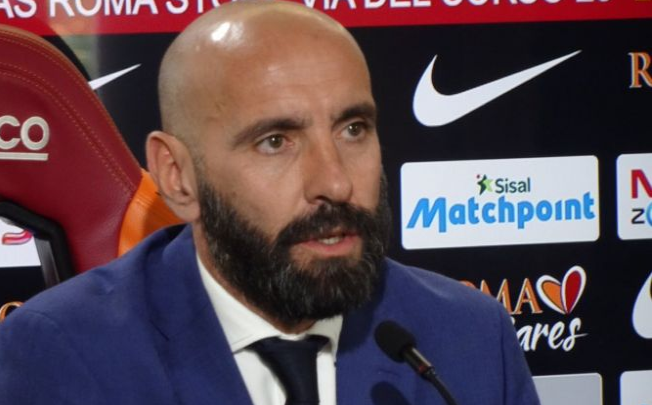 http://one2ball.com/wp-content/uploads/2018/04/Monchi-phone-1.png